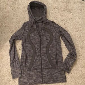 Lululemon size 8 full zip up